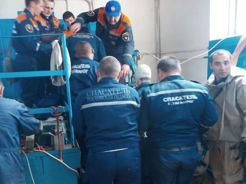 Число погибших при ремонте коллектора под Таганрогом выросло до десяти